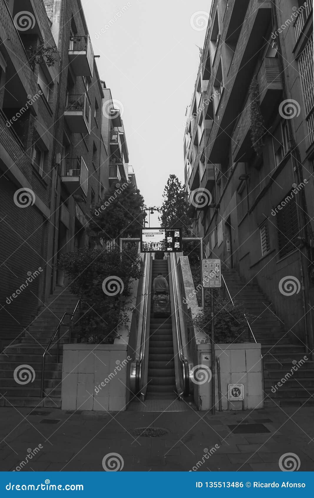 Escalera móvil de B&W en Barcelona