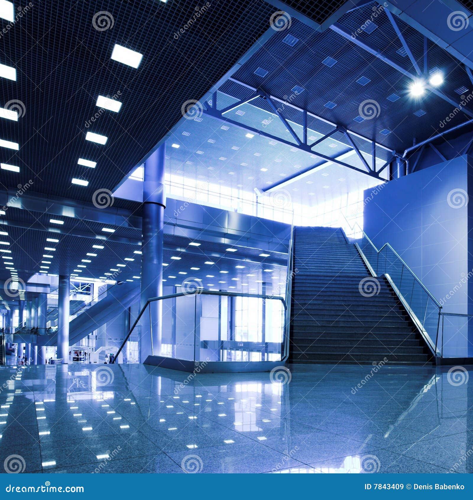 Escalera y luces en el techo i im genes de archivo libres - Luces para el techo ...