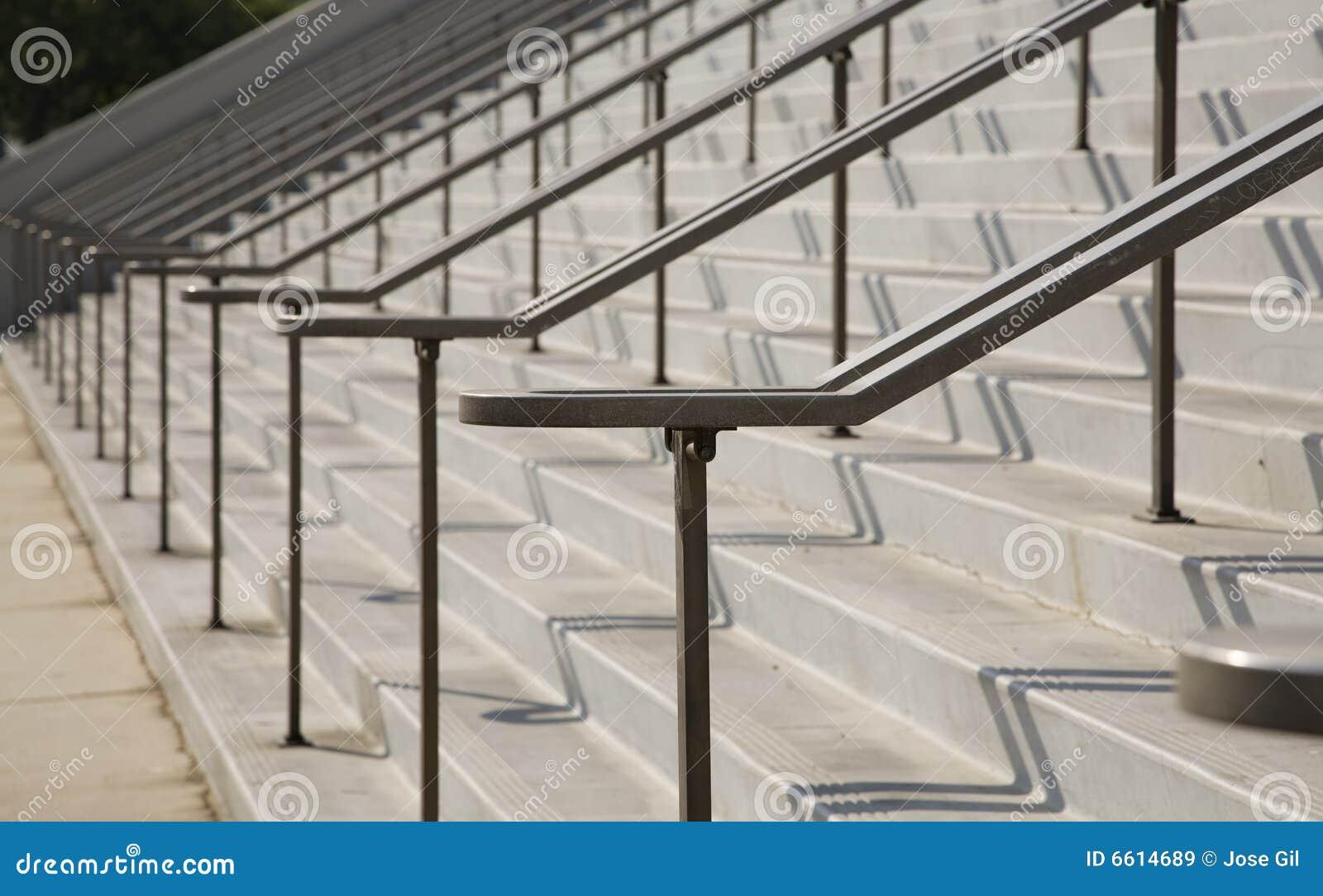 Escaleras al aire libre grandes im genes de archivo libres - Escaleras al aire ...