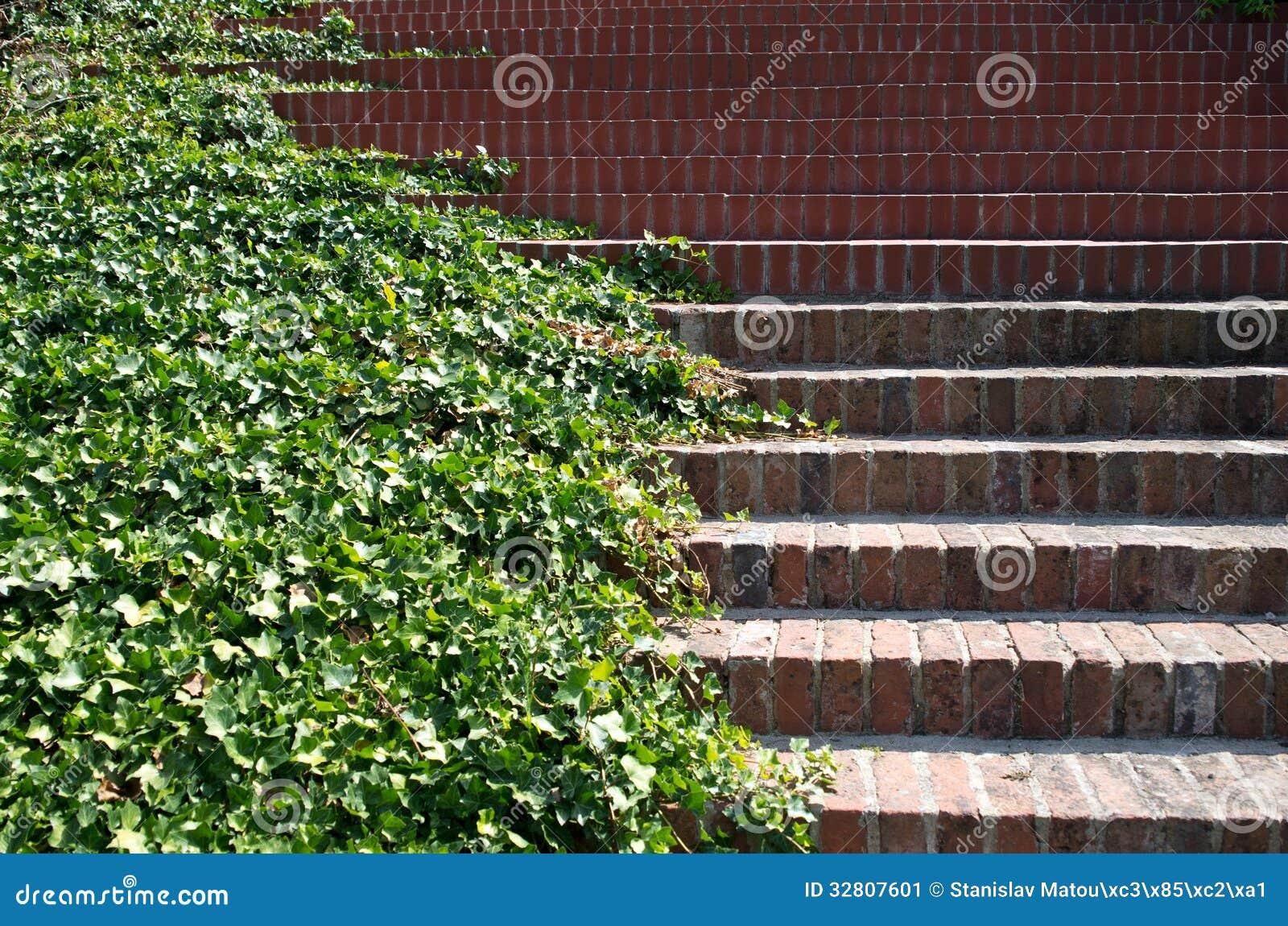Escaleras del ladrillo imagen de archivo imagen 32807601 - Escaleras de ladrillo ...