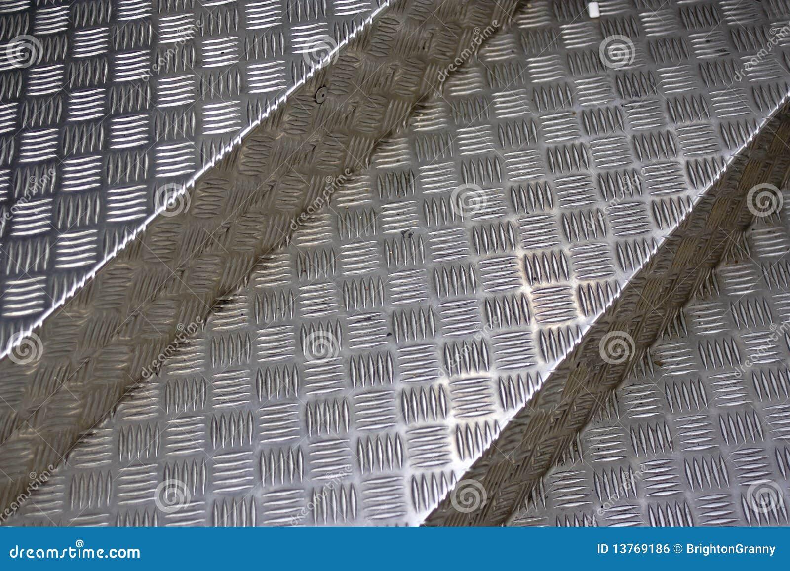 escaleras del metal imagen de archivo libre de regalas