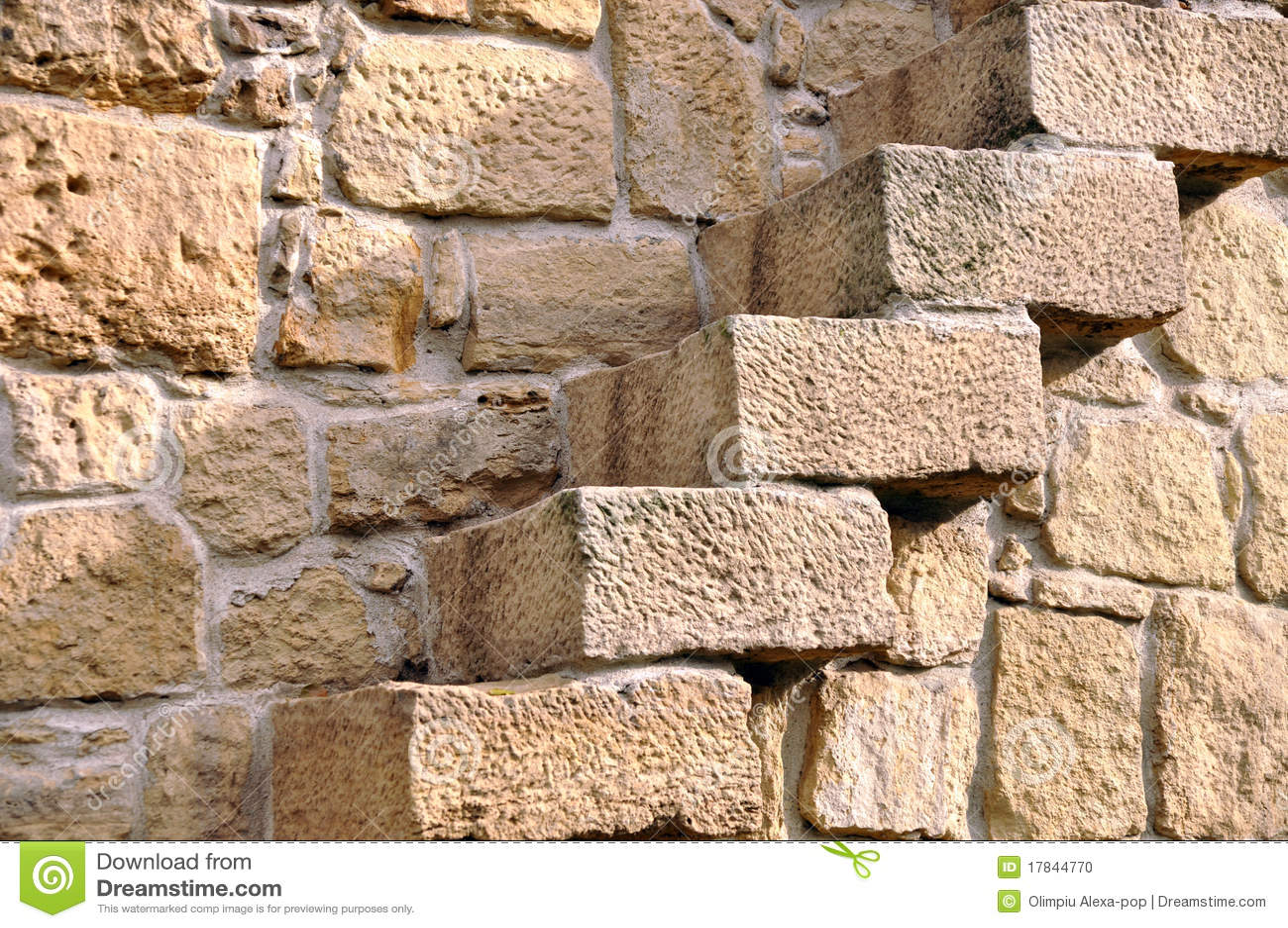 Escaleras en la pared de piedra foto de archivo imagen - Como hacer pared de piedra ...