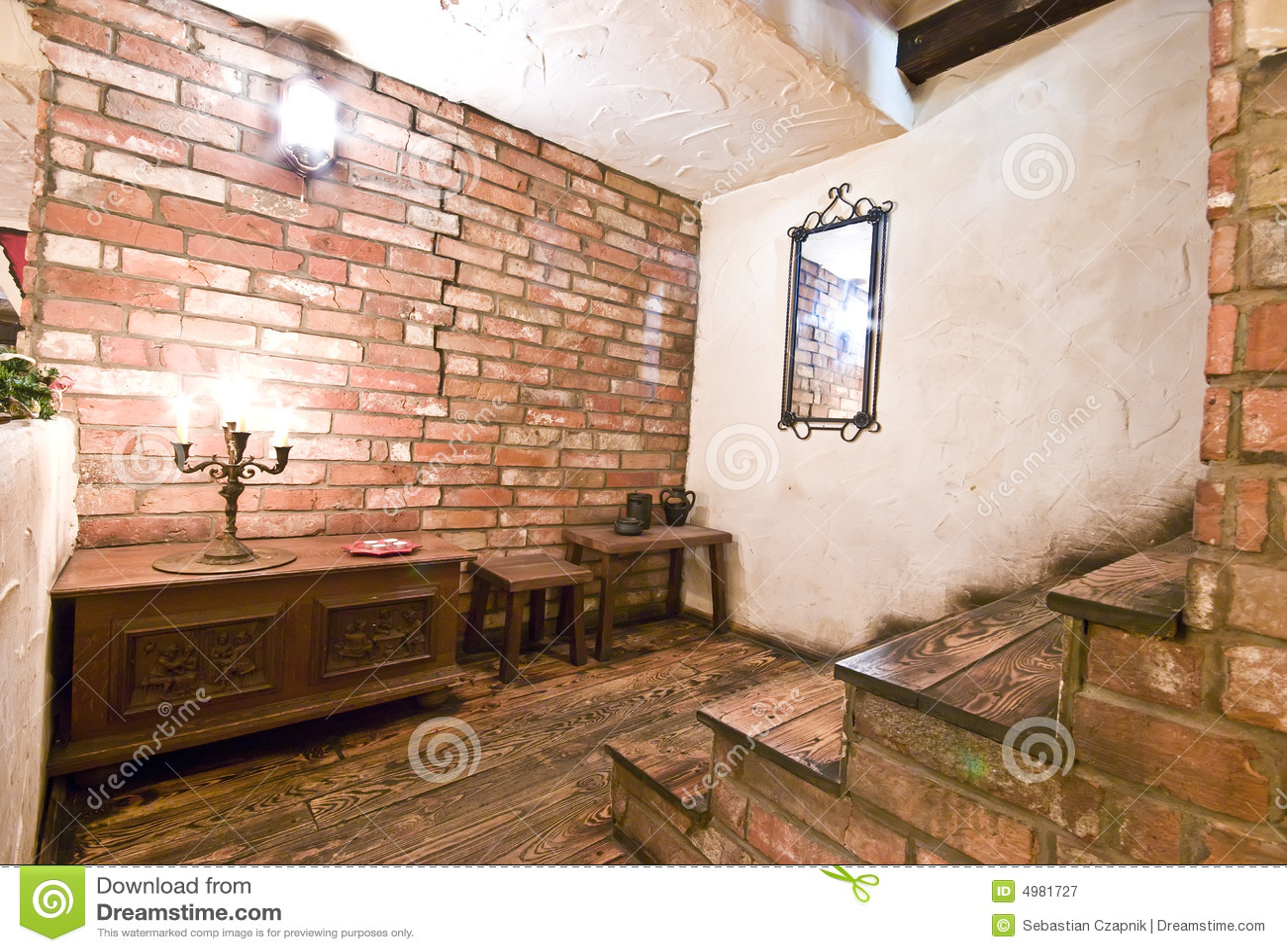 Escaleras interiores r sticas imagen de archivo imagen - Fotos de interiores de casas rusticas ...