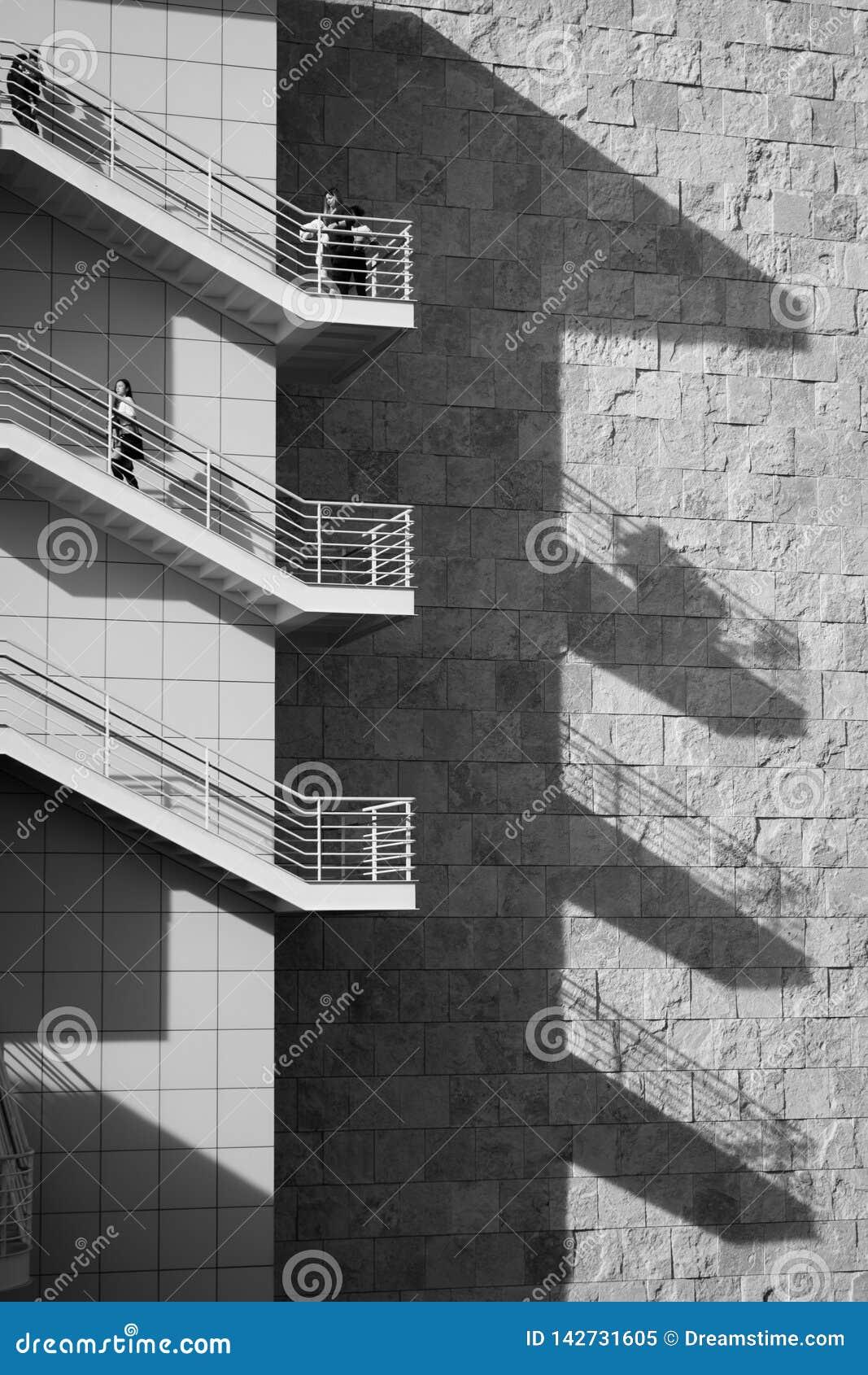 Escaleras y sombra, centro de Getty, Los Angeles