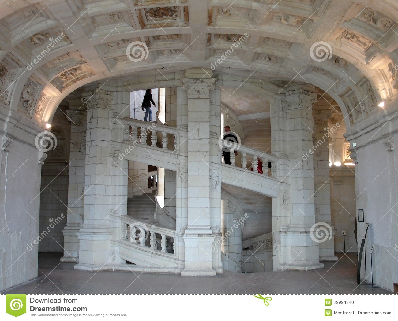 Escalier de double h lice de chambord image ditorial for Interieur a la spirale