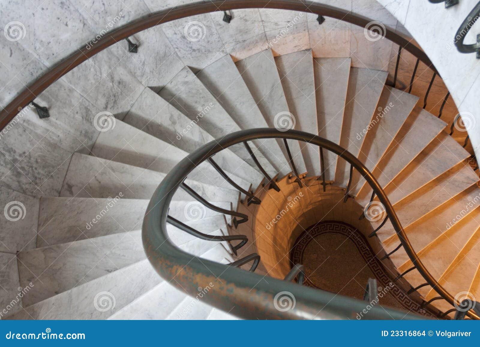 Escalier spiralé.