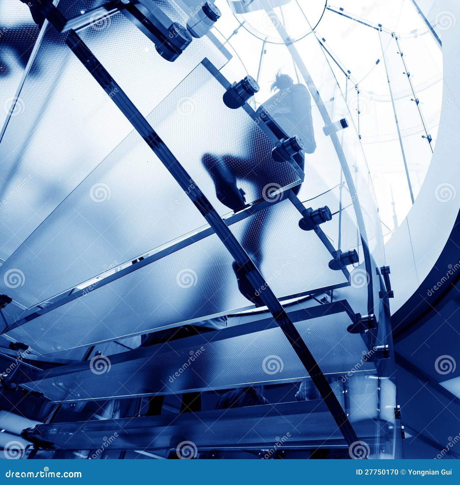 Escalier spiralé en verre