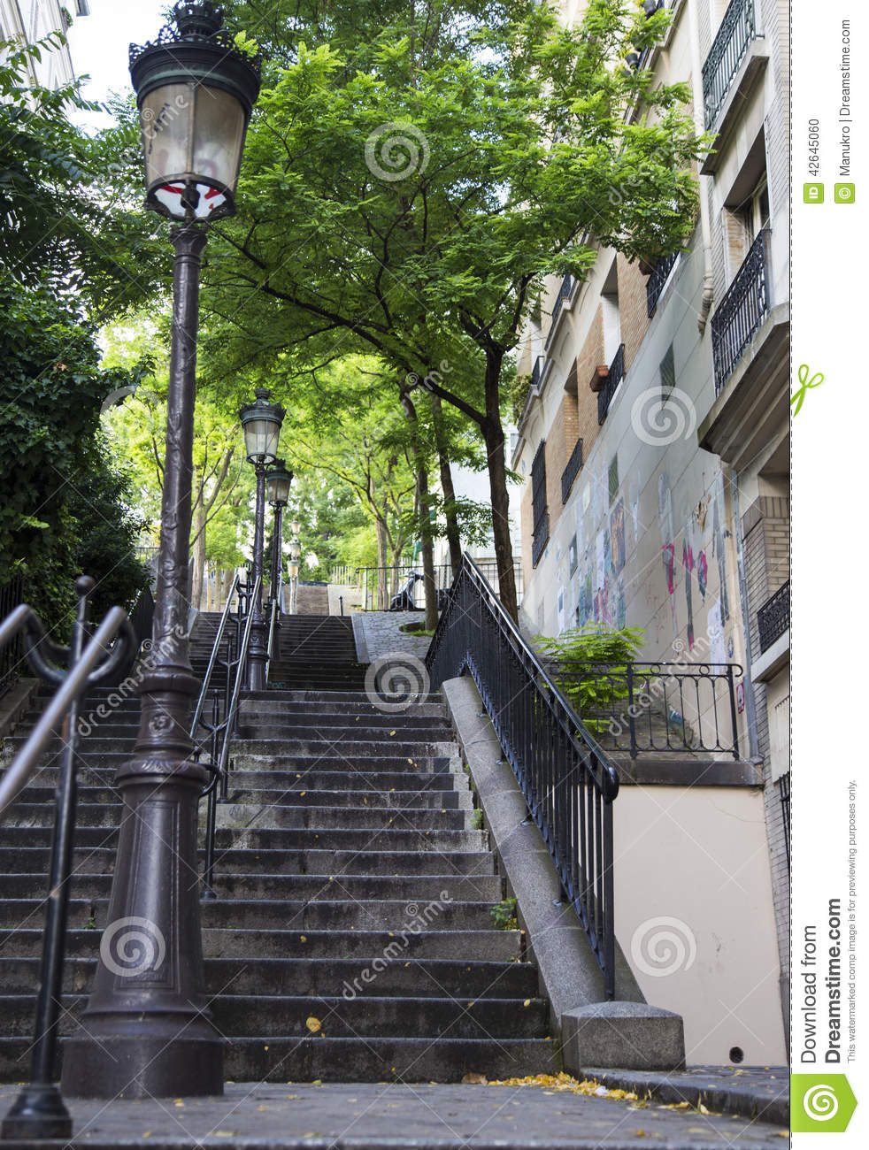 escalier typique de montmartre paris france photo stock. Black Bedroom Furniture Sets. Home Design Ideas