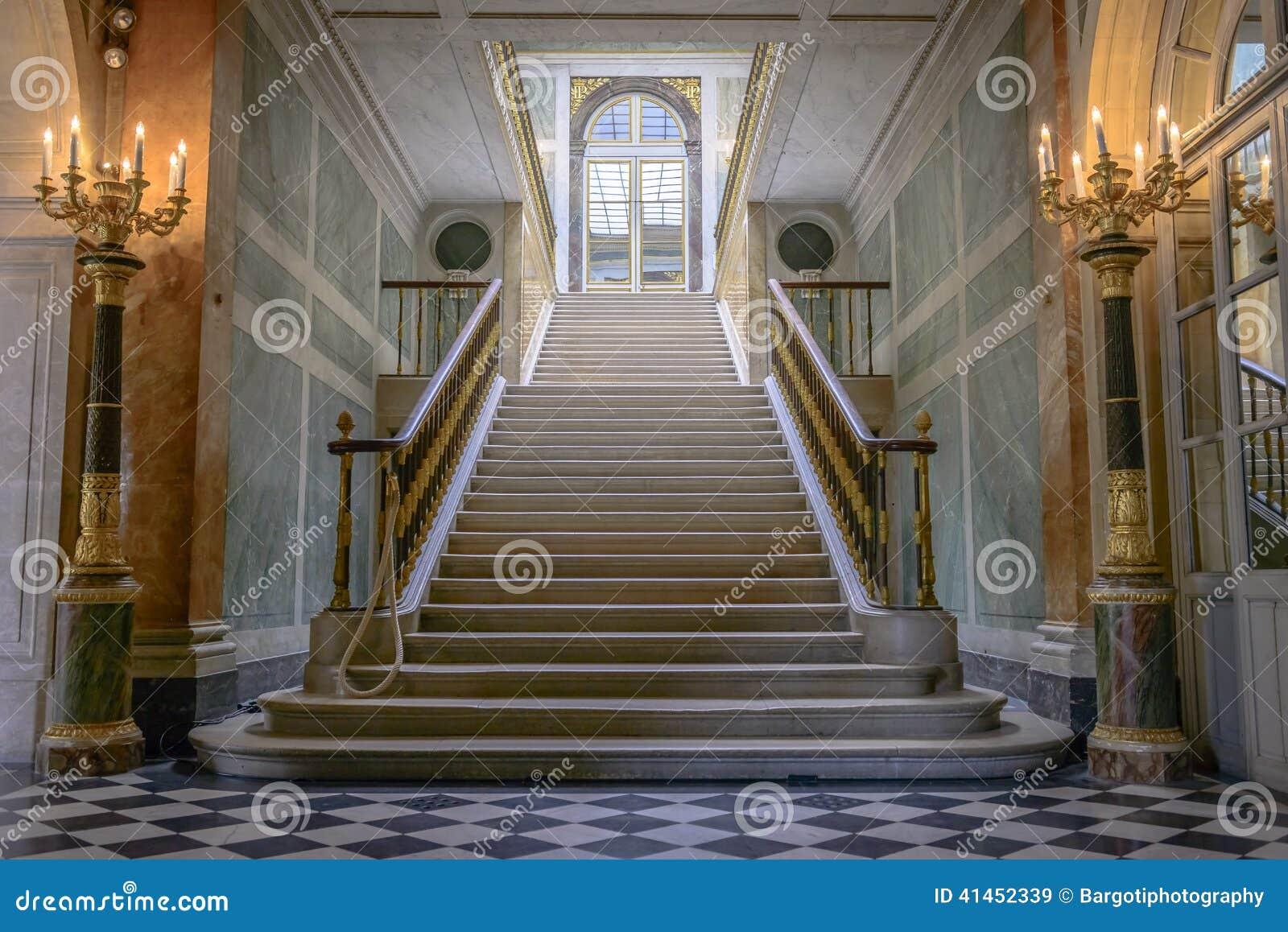 Escaliers dans le château De Versailles