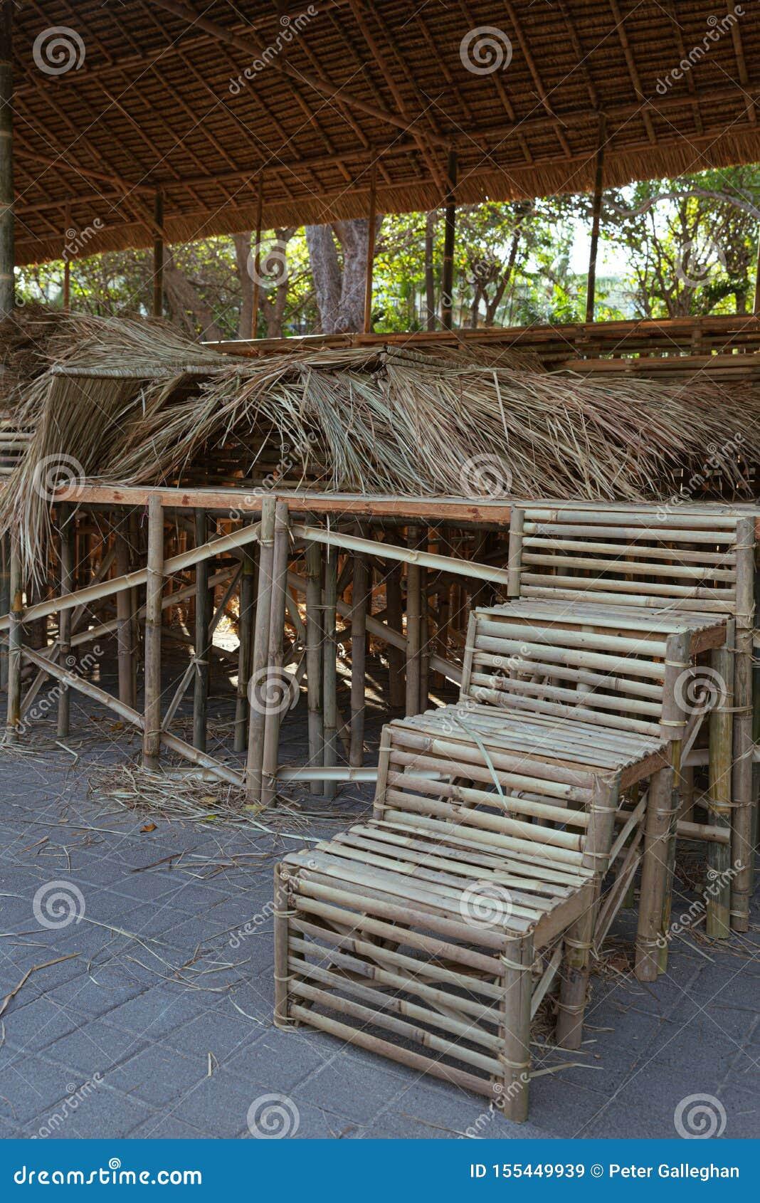 Escaliers en bambou pour l incinération de masse publique