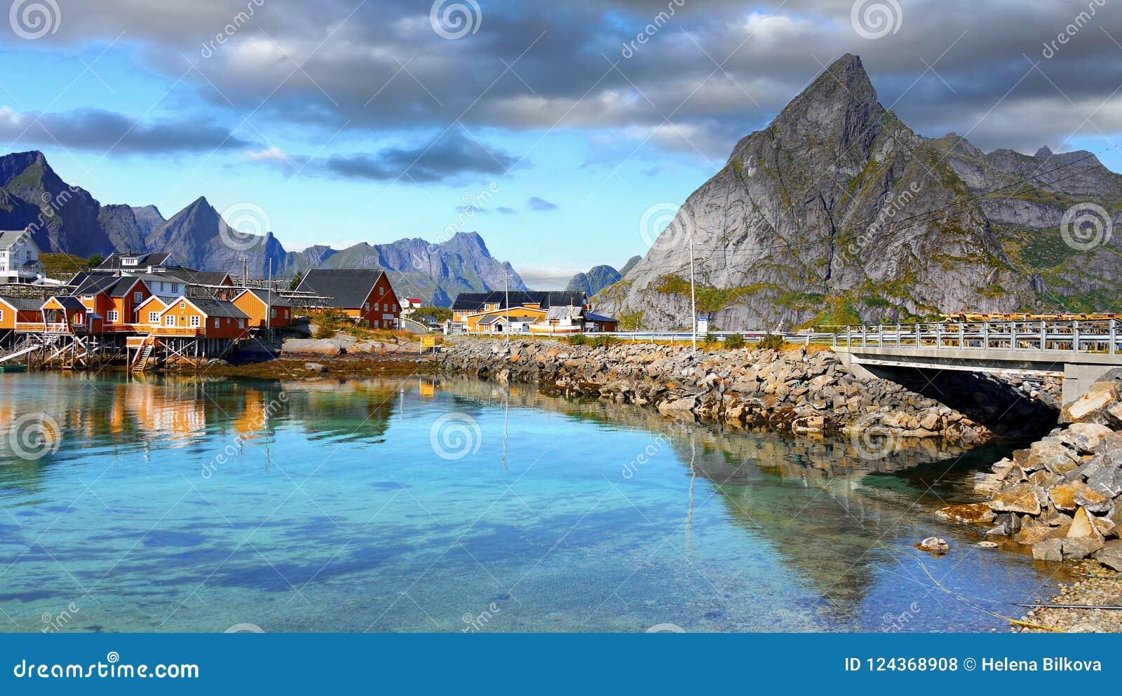 Escandinávia, Noruega, paisagem áspera nórdica, ilhas de Lofoten