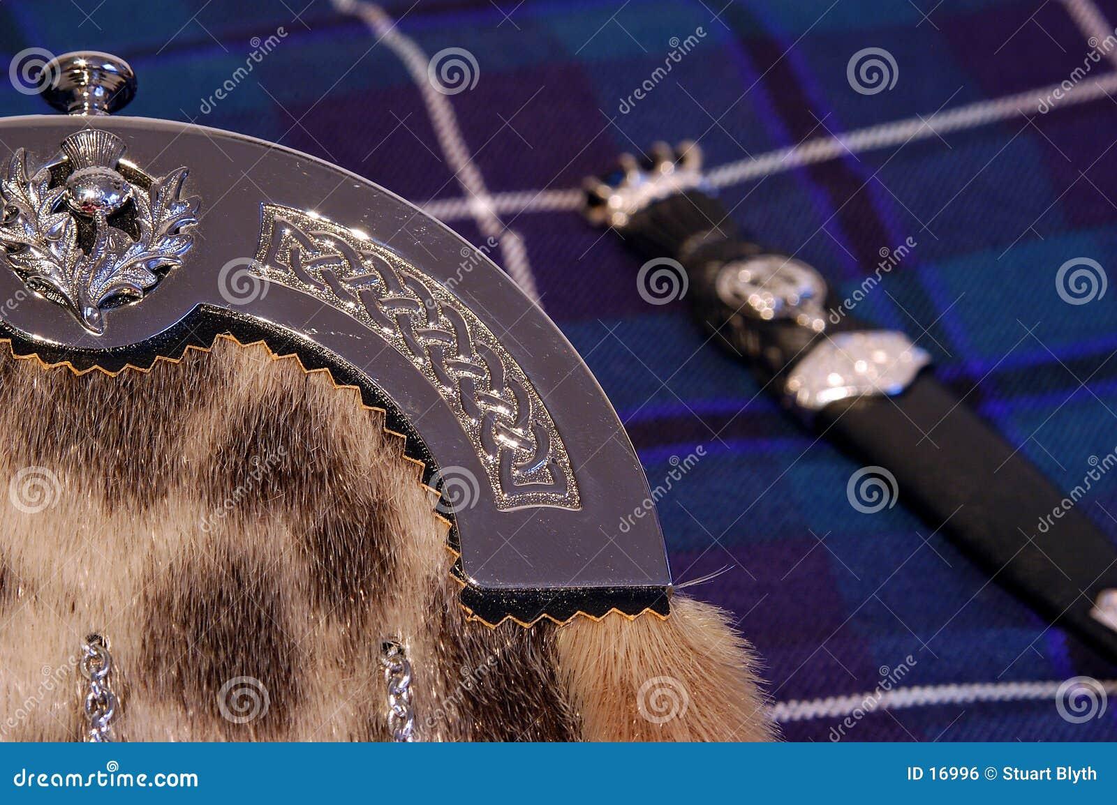 Escarcela de los montañeses de Escocia y dubh sgian