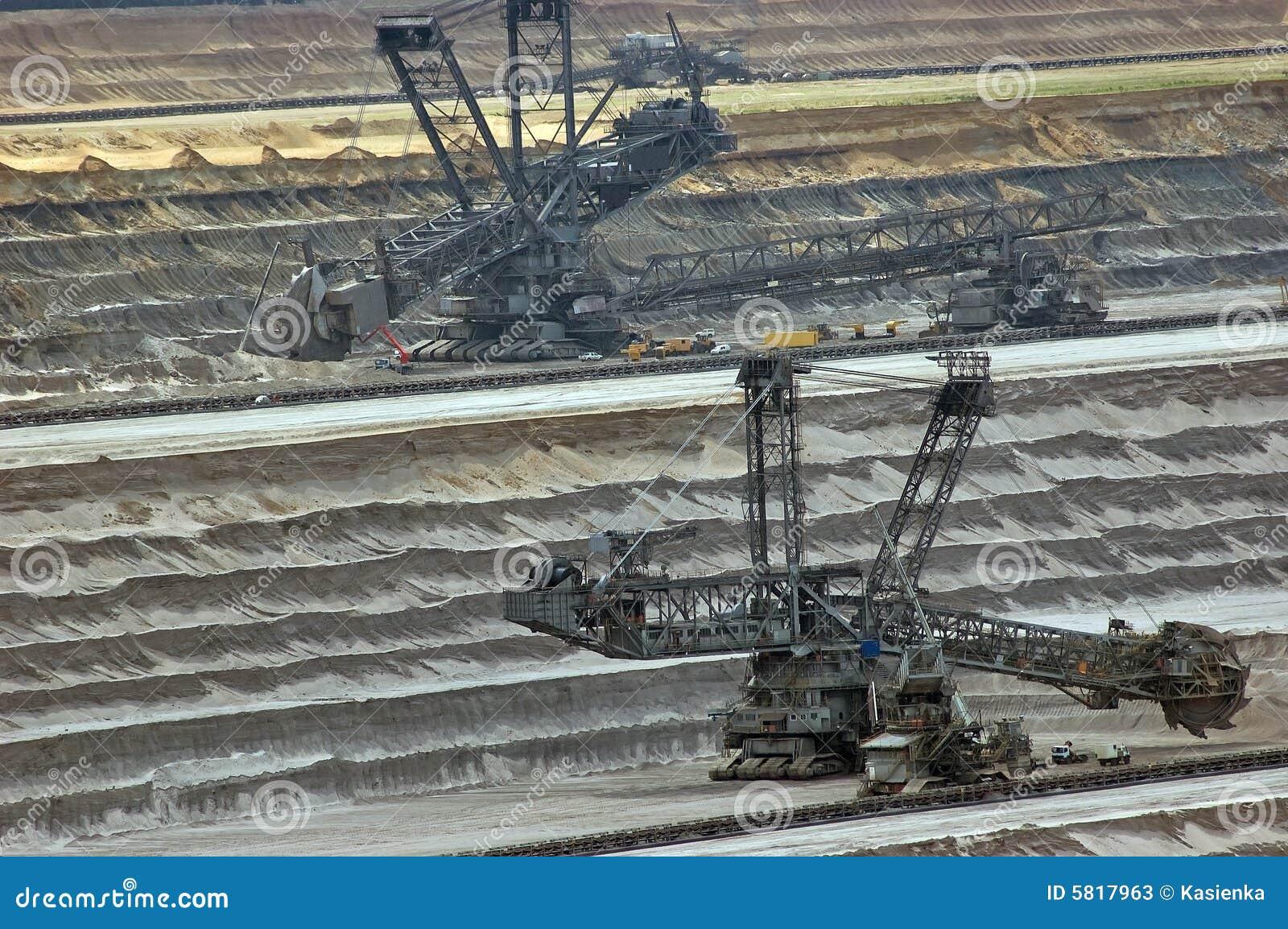 Escavatori enormi