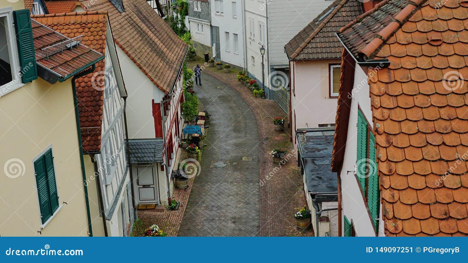 Escena medieval de la calle en el m?n Homburg, Alemania