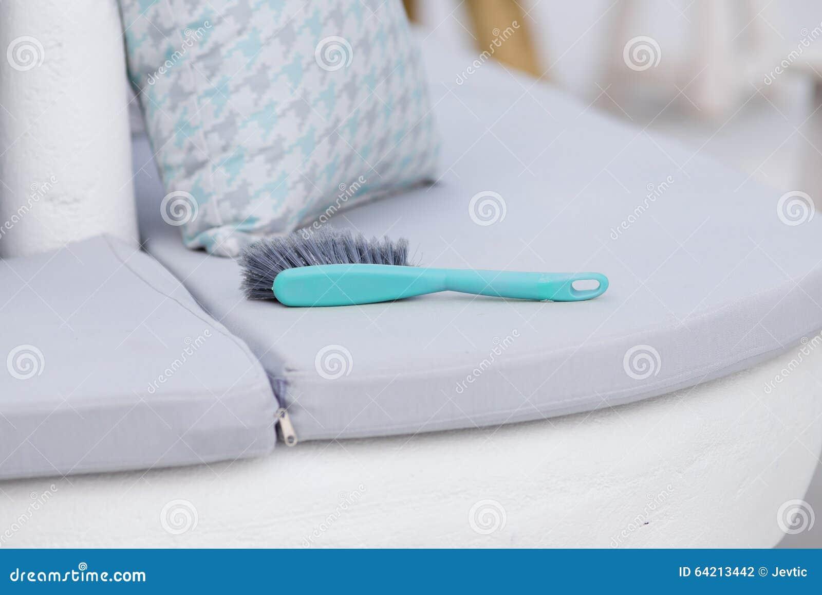 Escobilla en las almohadas