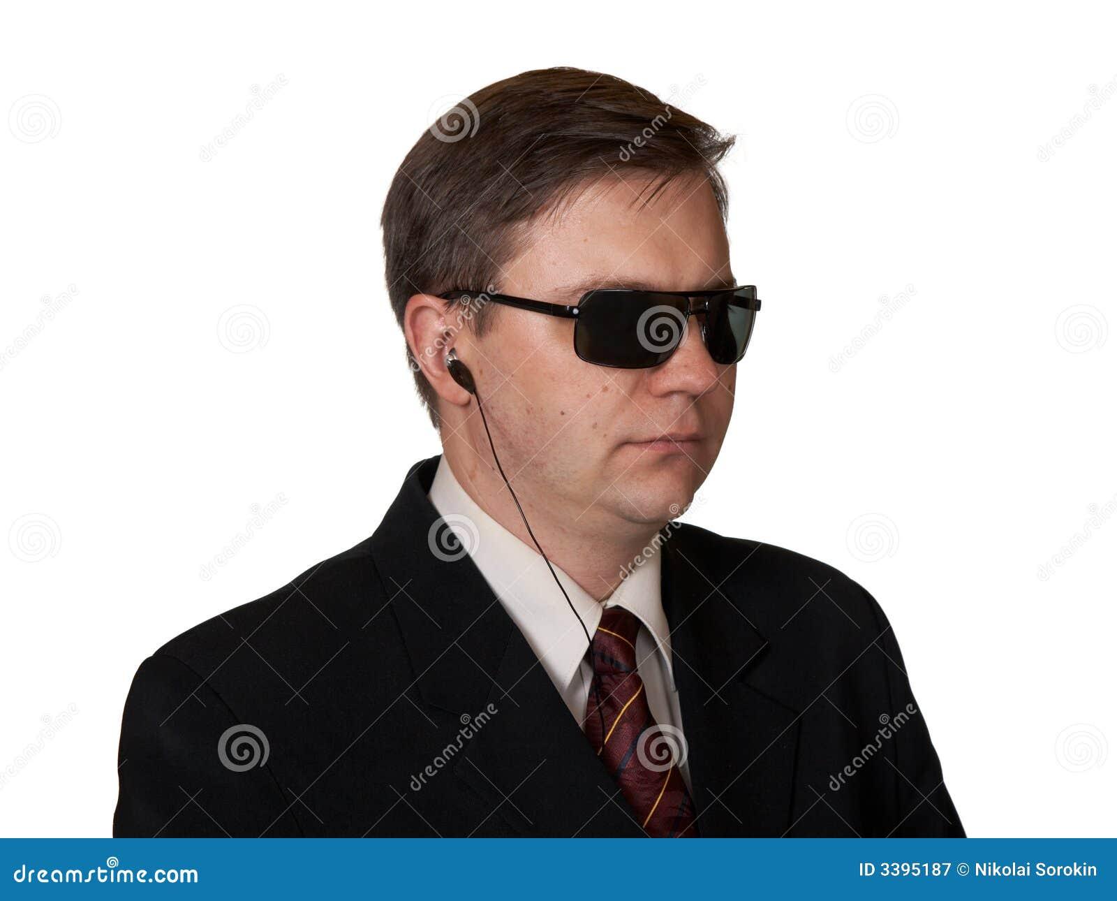 Escolta en gafas de sol