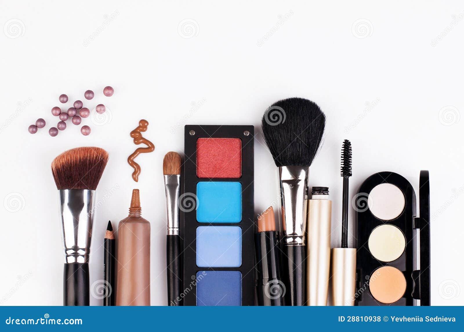 Escova e cosméticos da composição