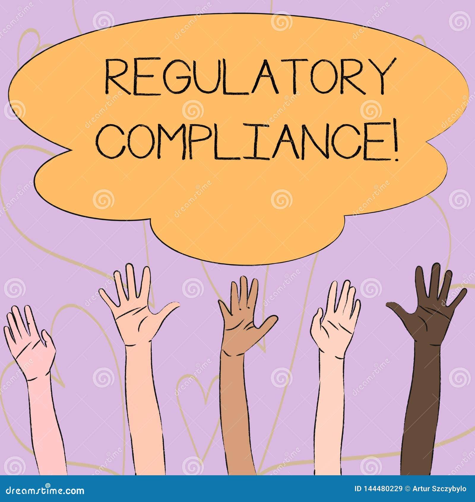 Escrevendo a nota que mostra a conformidade reguladora A organização apresentando s da foto do negócio é aderência às leis