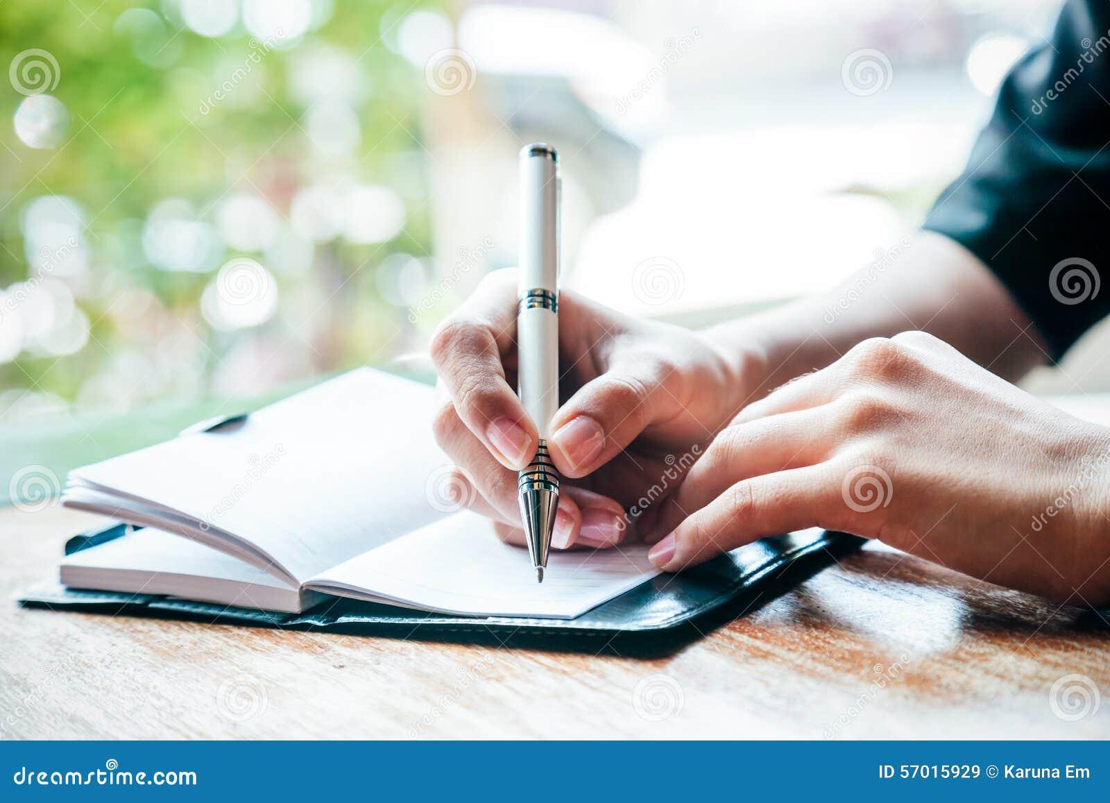 Escrevendo um jornal