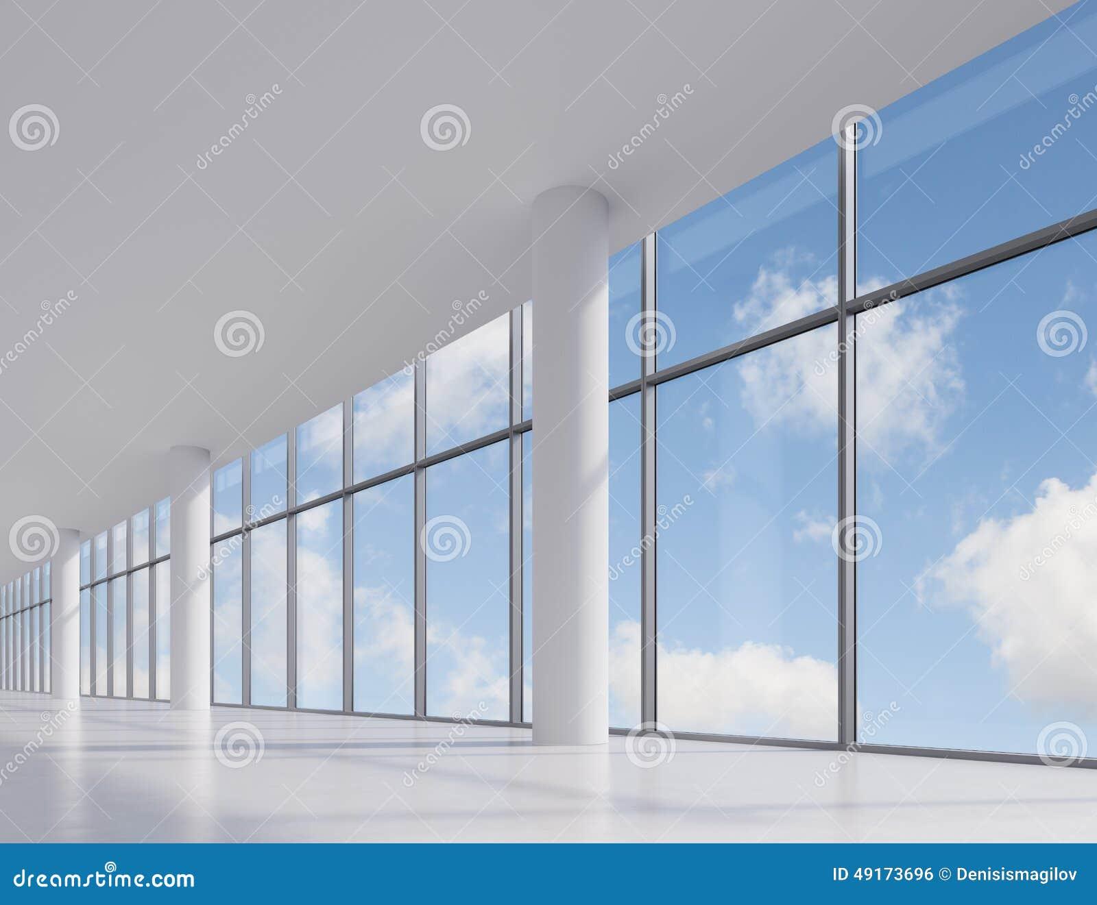 Escritório com janela grande
