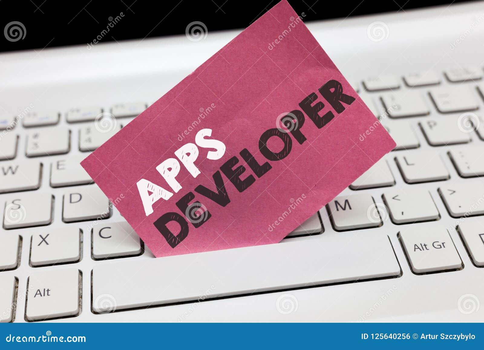 Escrita conceptual da mão que mostra o colaborador de Apps Foto do negócio que apresenta o artista gráfico Software Programmer e