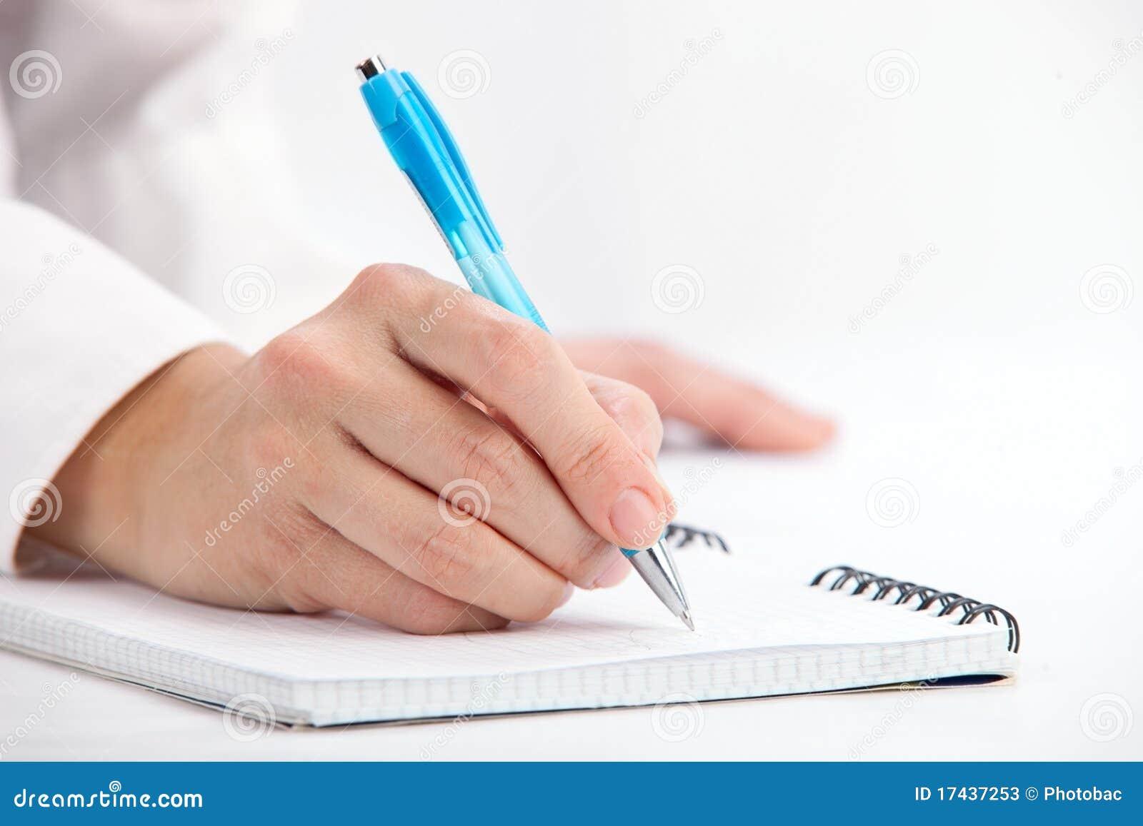 Escrita da mão com pena de ballpoint