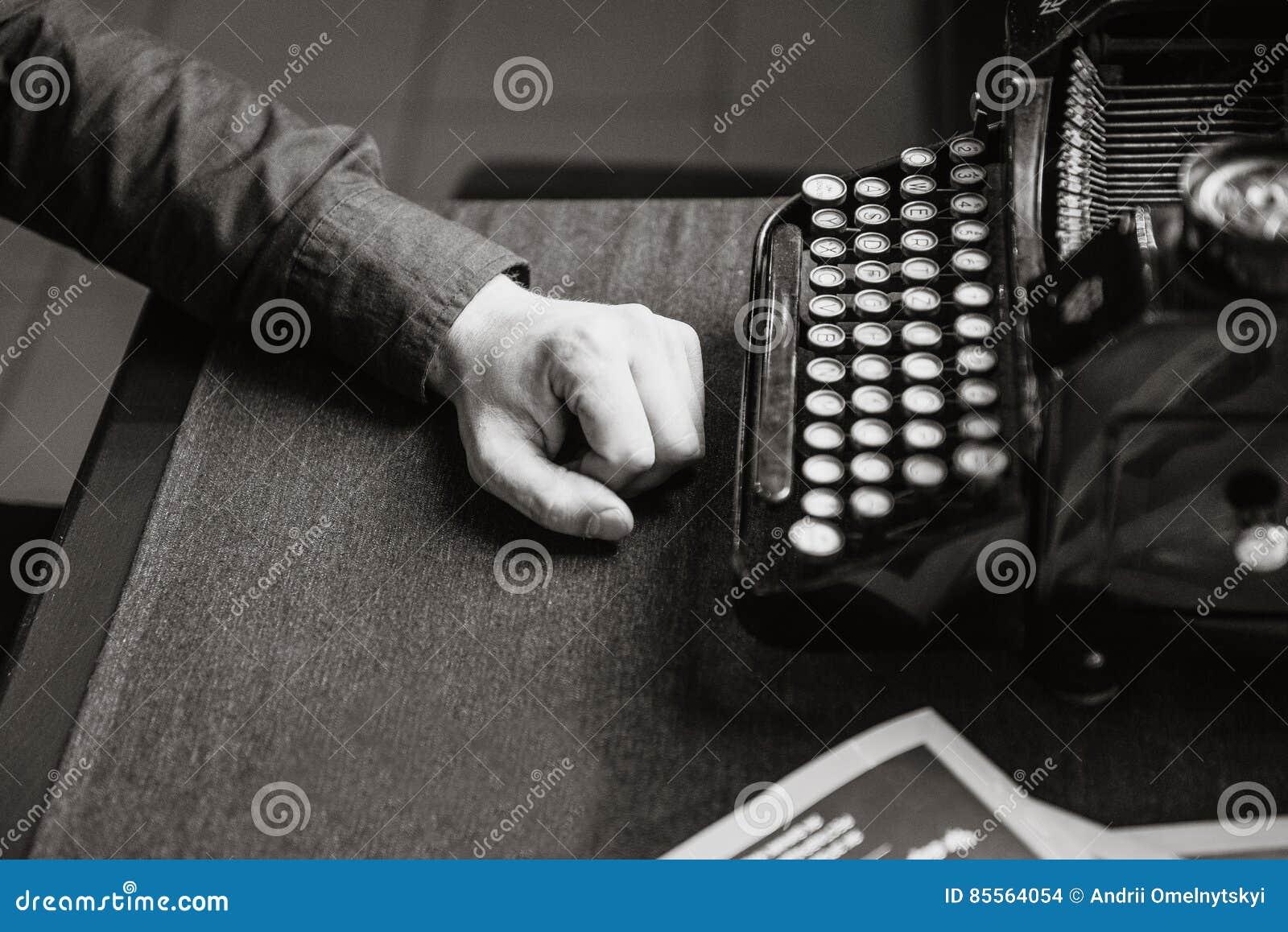 Escritor para la máquina de escribir vieja