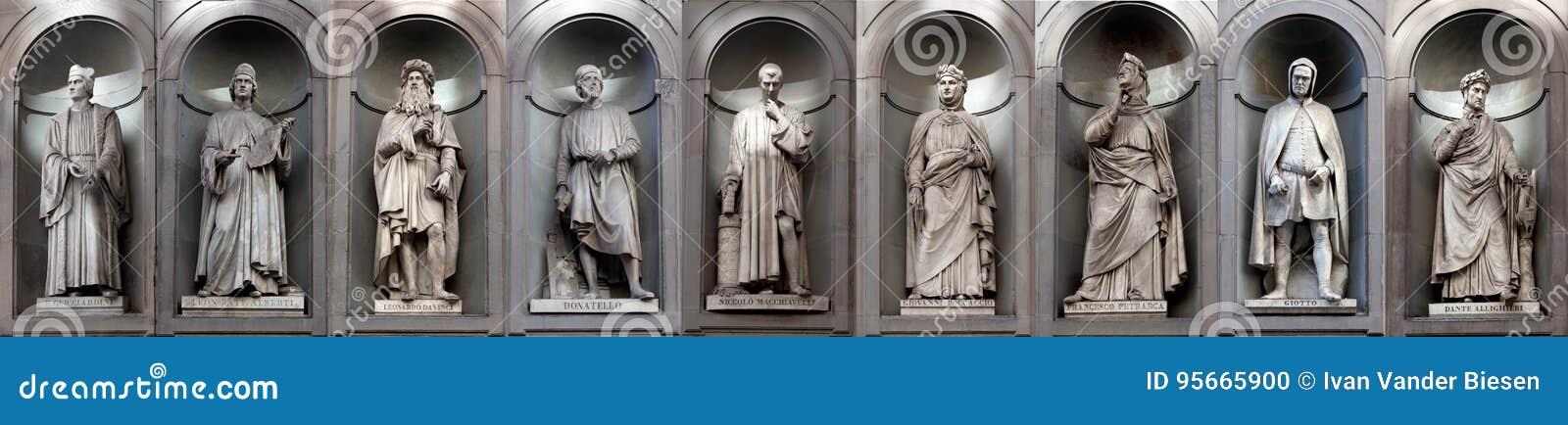 Escritores famosos de los artistas del renacimiento de la galería de las estatuas, Uffizi, Florencia, Italia