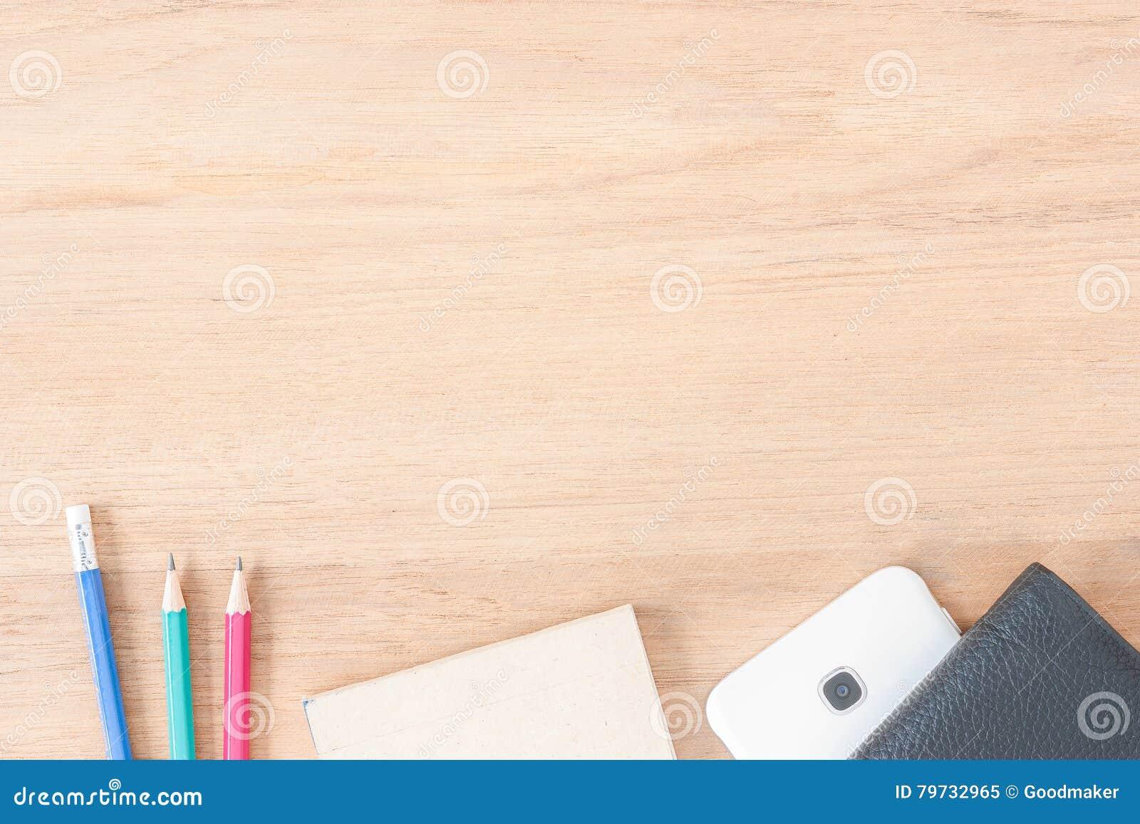 Escritorio y accesorios de trabajo