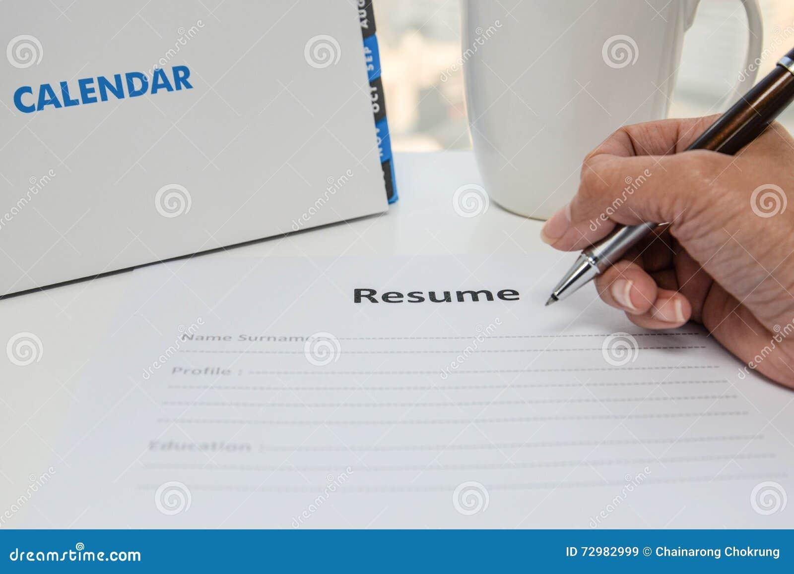 Escritura Del Curriculum Vitae Imagen de archivo - Imagen de resume ...
