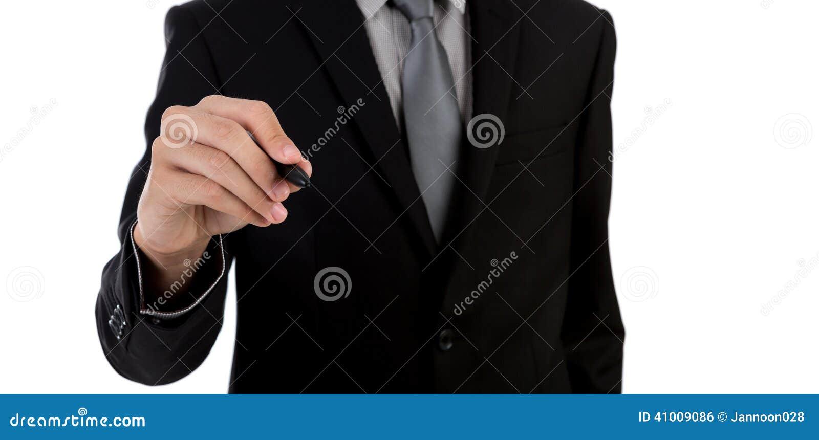 Escritura del hombre de negocios contra el fondo blanco