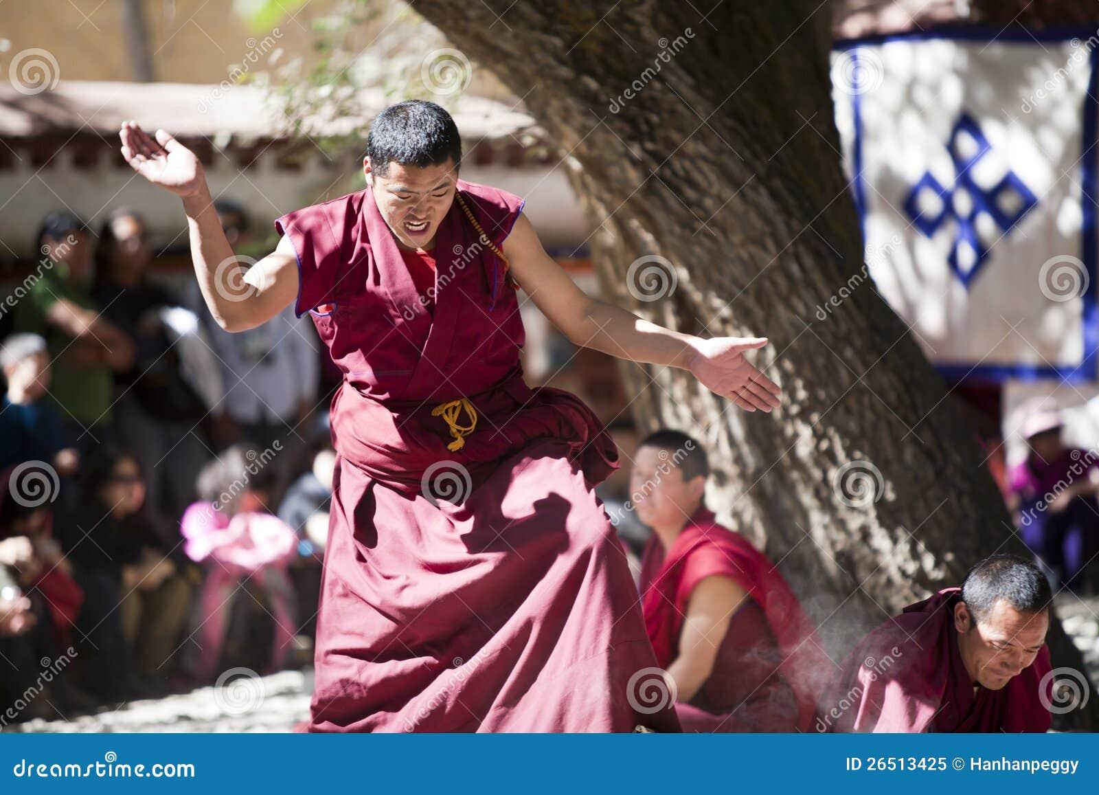 Escrituras do Buddhism que debatem lamas