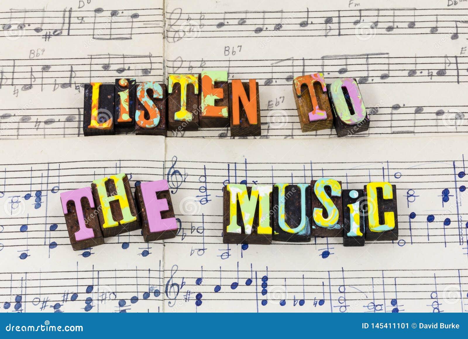 Escuche la sensación de la música para cantar gozan de la fuente de la tipografía del amor del juego