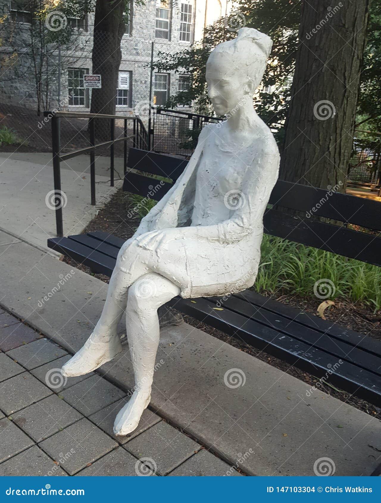 Escultura da mulher