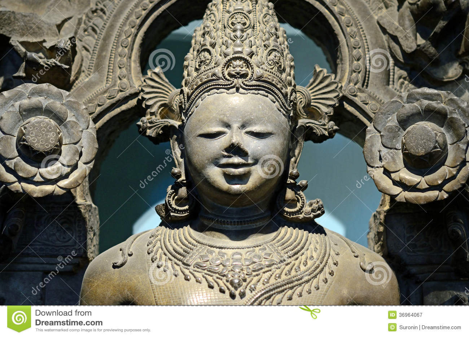 Escultura de Surya do Sun-deus