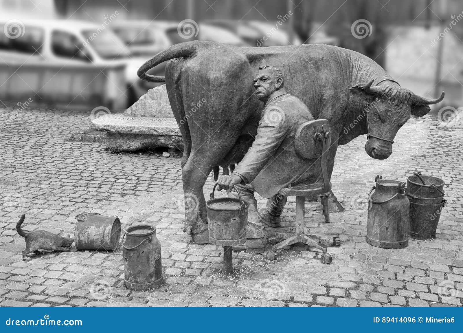 Escultura urbana de um fazendeiro