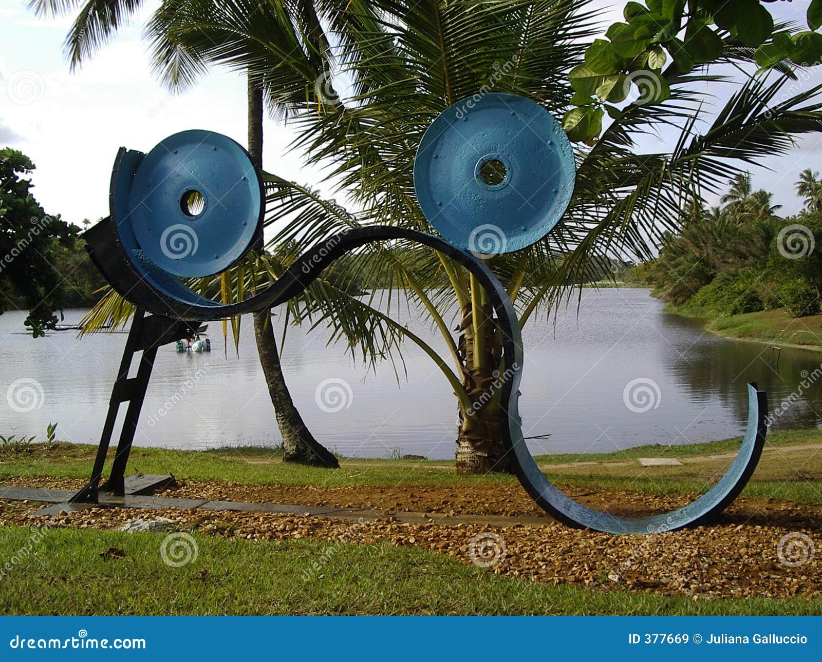 Esculturas abstratas pelo lago imagens de stock royalty - Esculturas de madera abstractas ...