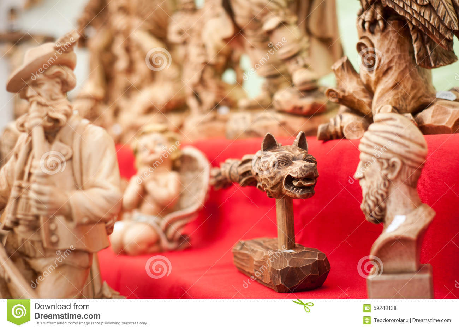 Download Esculturas De Madera Tradicionales Foto de archivo - Imagen de carving, visualización: 59243138