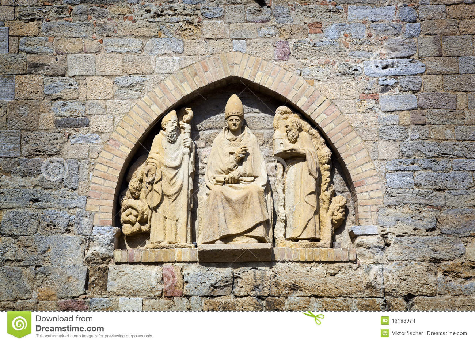 Esculturas em um alcove