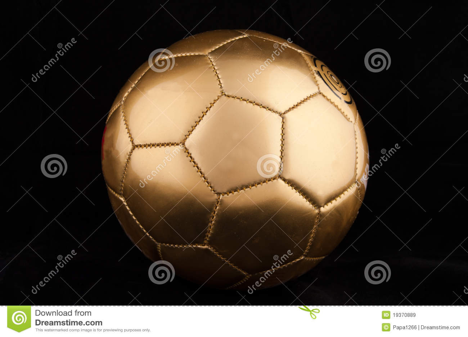 Esfera de futebol do ouro