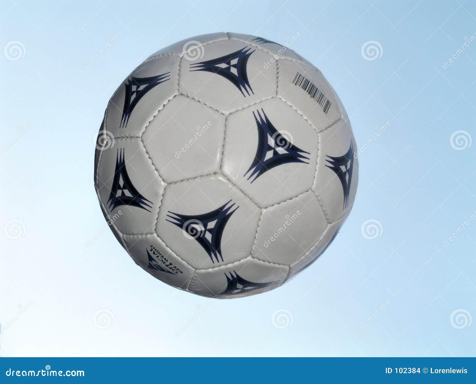 Esfera de futebol no vôo
