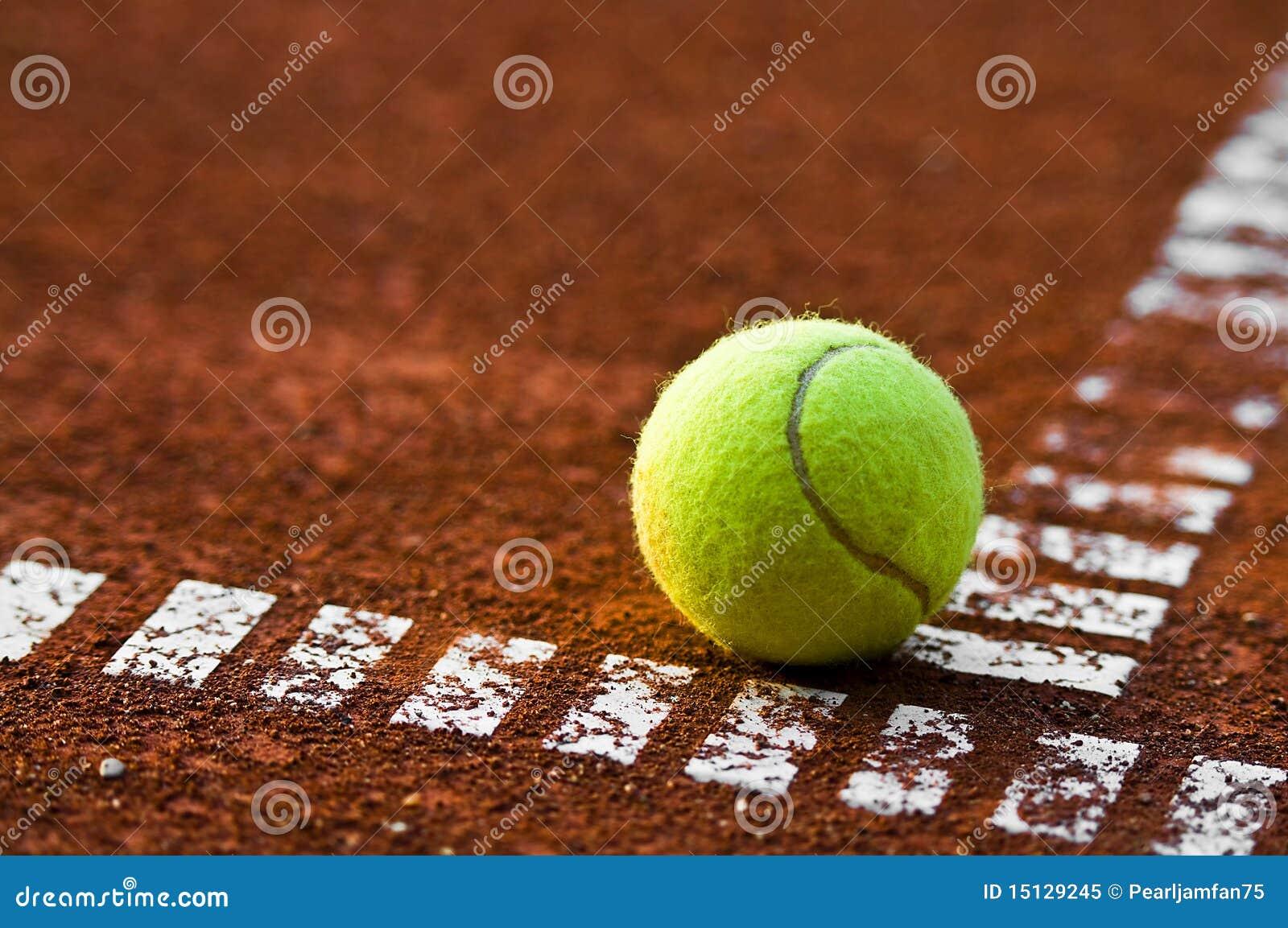 Esfera e corte de tênis