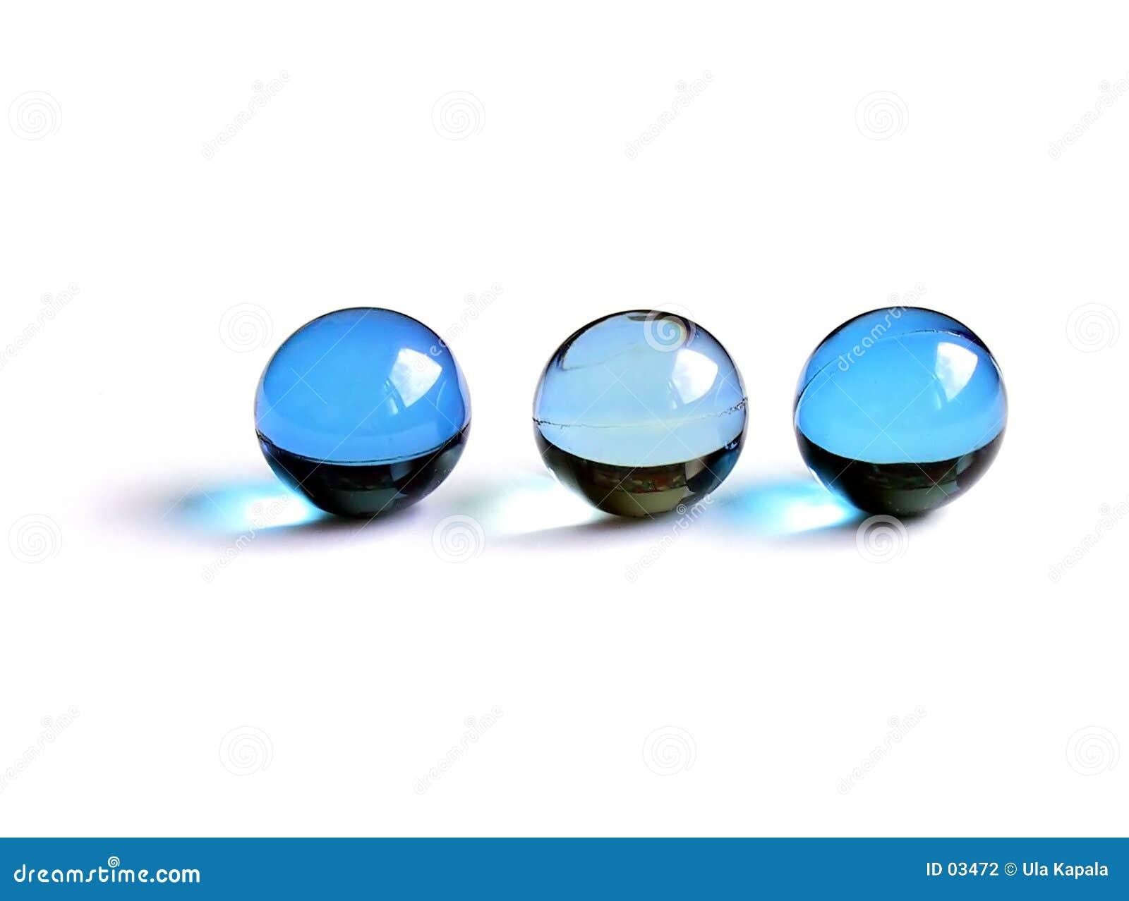Esferas azuis do banho