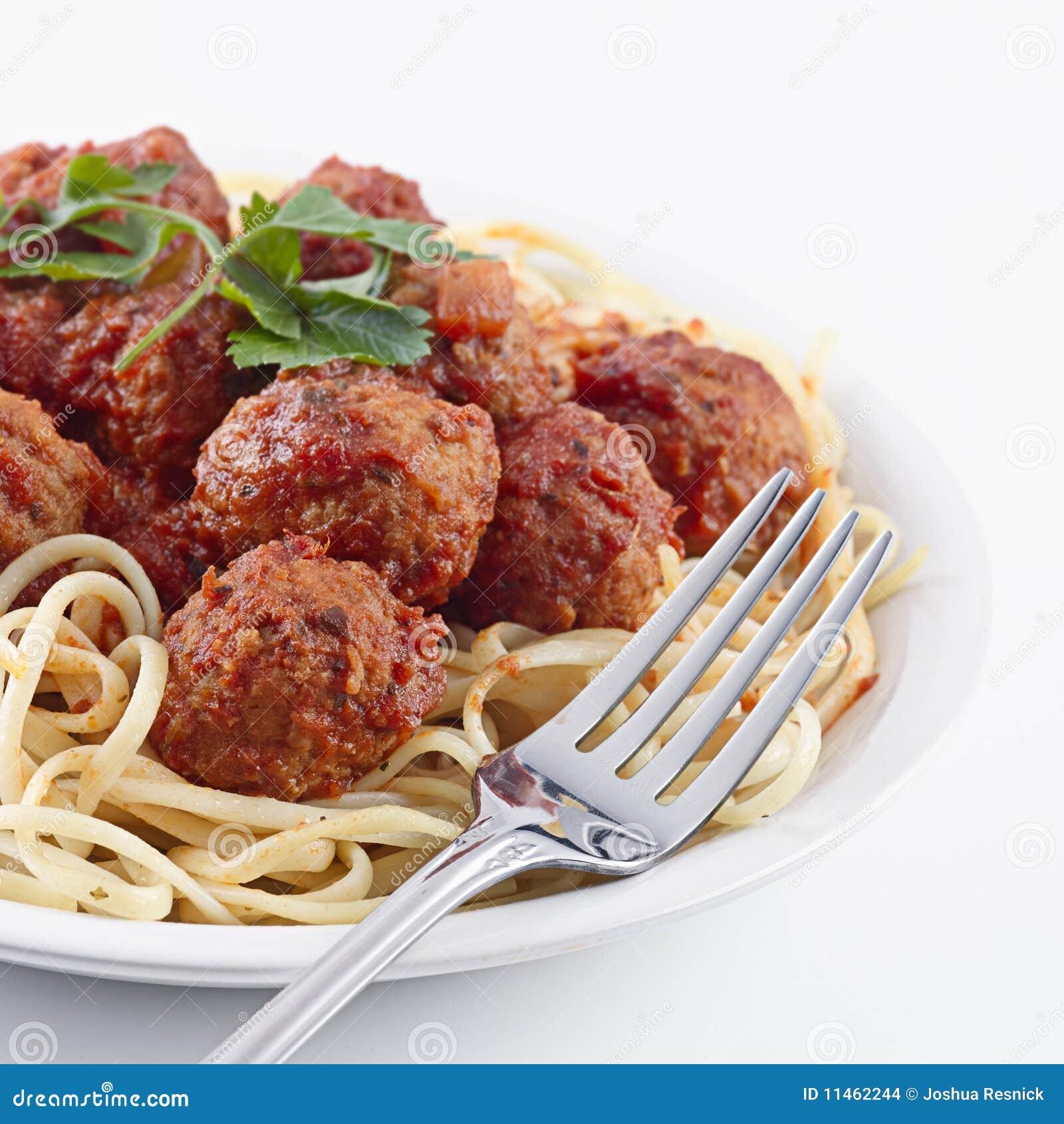 Esferas do espaguete e de carne