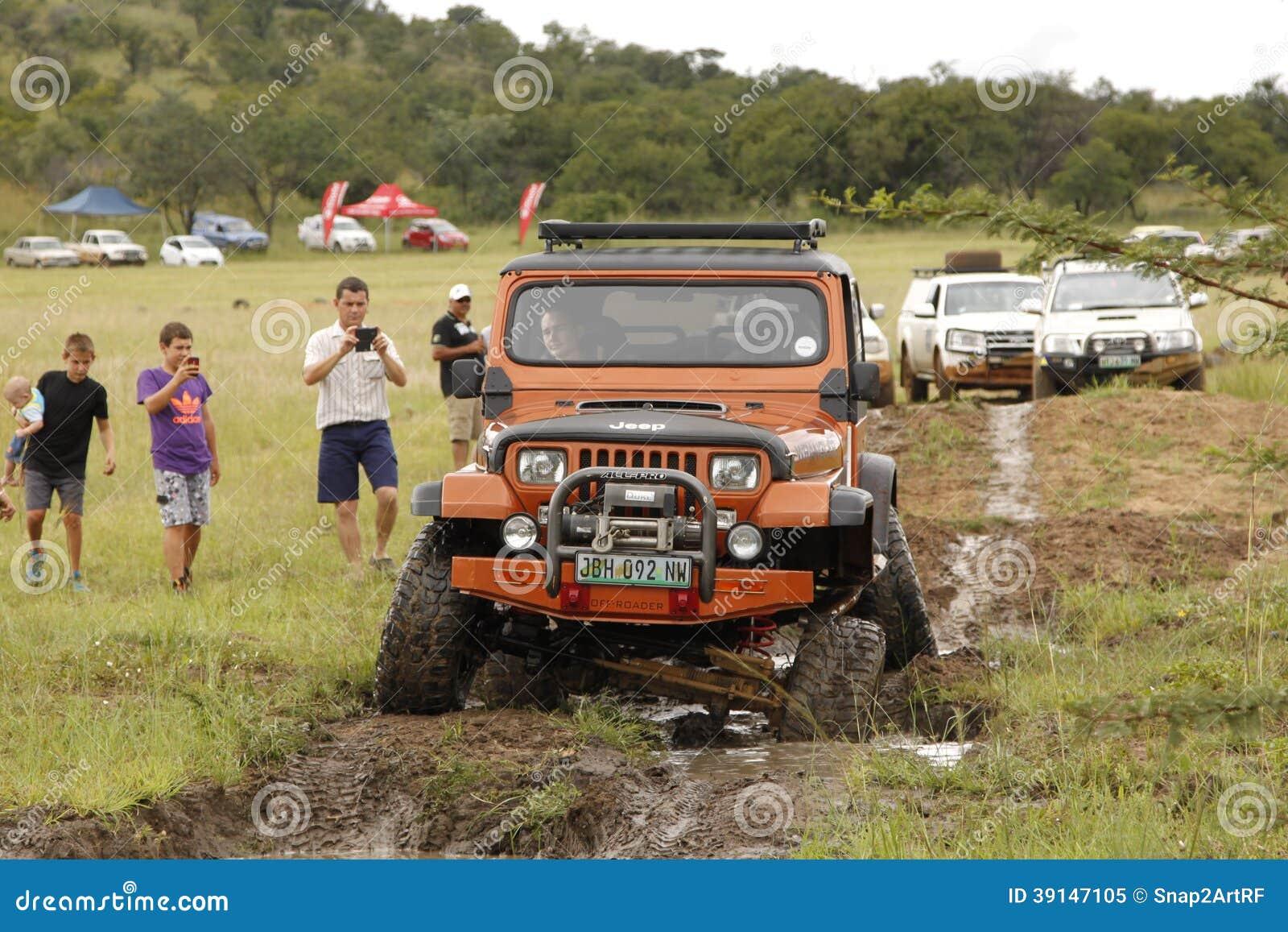 Esmagamento Jeep Wrangler Off-Roader bege V8