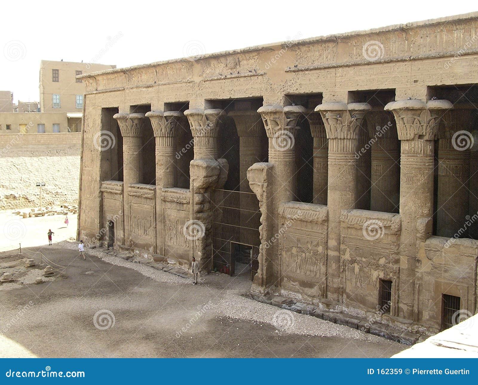 Esna寺庙