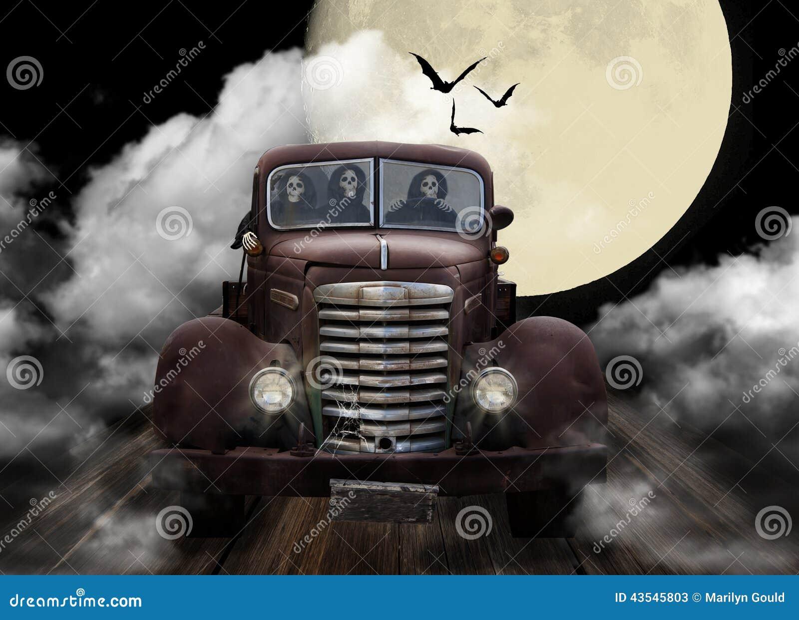 Espíritus necrófagos de Halloween Joyriding en el camión