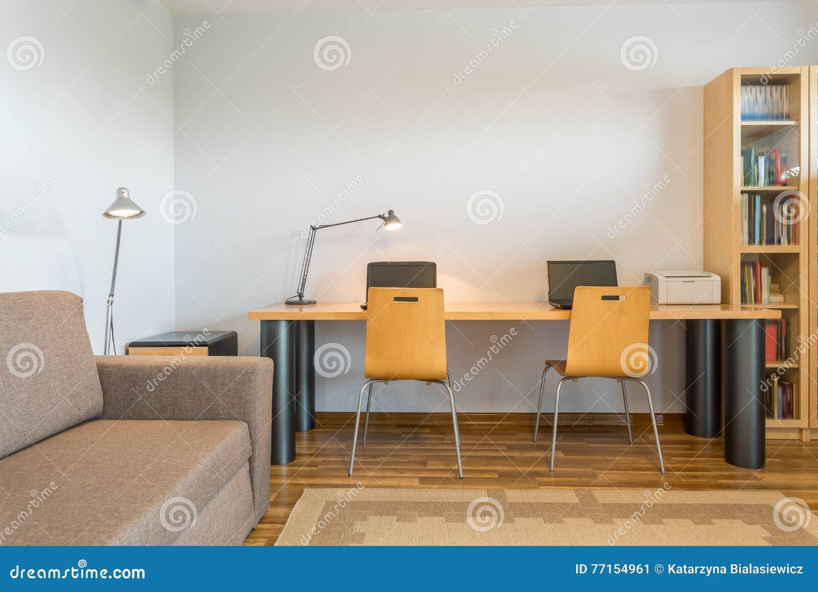 Espace de travail à la maison pour l idée deux