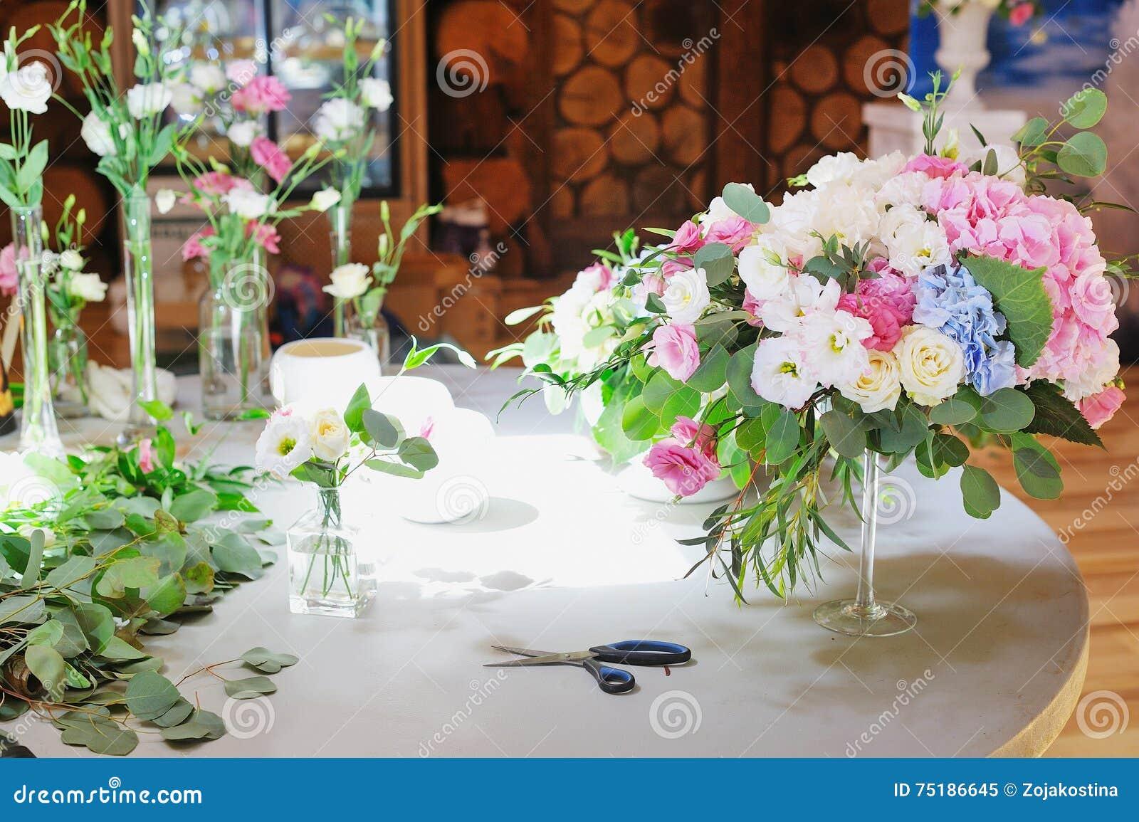 Espace De Travail De Fleuriste Pour La R Ception De Mariage De