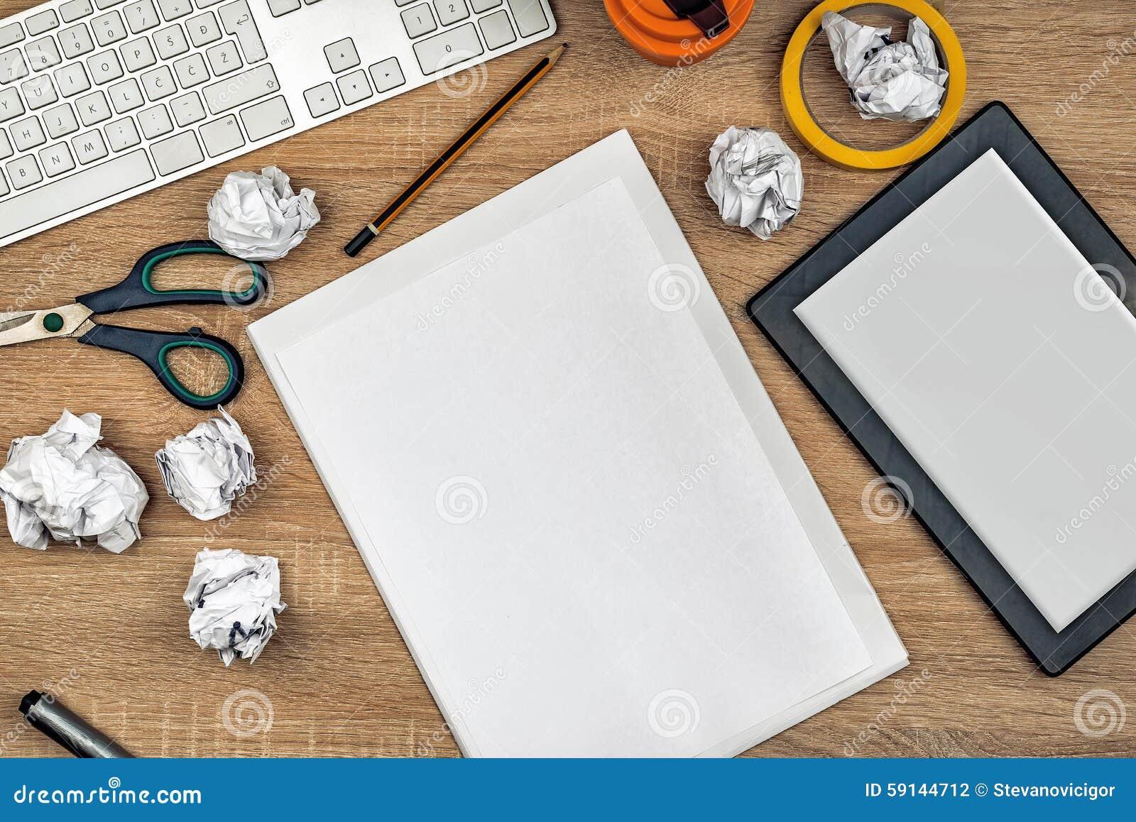 Espacio de trabajo del tablero de la mesa del dise ador for Diseno mesa de trabajo